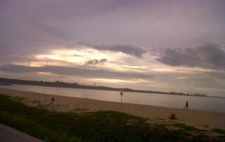 praia-camburi-manha-cinzenta-31032010