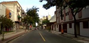 Caminhado pelas ruas do bairro de Jd Camburi